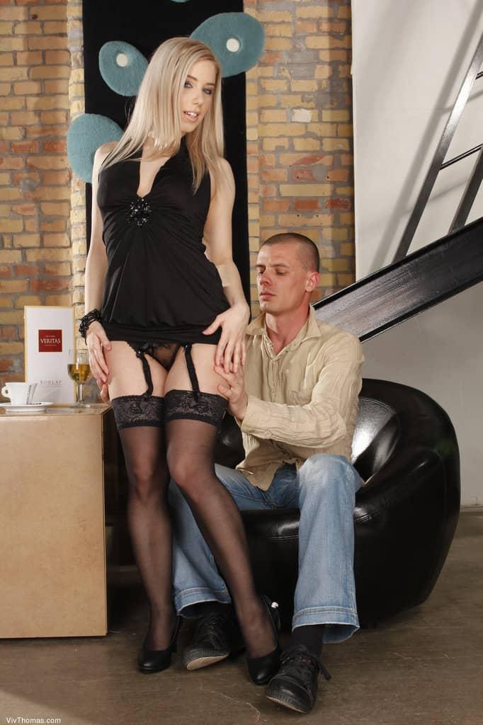 Ver foto porno da loirinha gostosa de lingerie fodendo