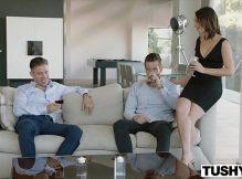 Revista porno moreninha sapeca fazendo anal com o cunhado