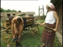 Sexo na fazenda mulher da buceta peluda fudendo no celeiro