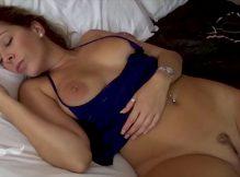 Video de porno loira safada sendo arrombada com força